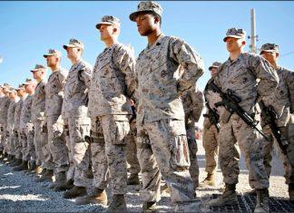 今年一月中駐紮阿富汗西南部赫曼德省索拉博(Sohrab)軍營的美軍陸戰隊員。